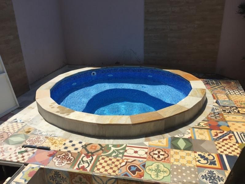 Construção de Piscinas Aquecida Pequena Valor Guarujá - Construção de Piscinas Profissional
