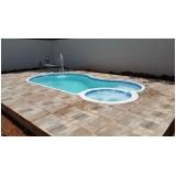 construção de piscinas aquecida pequena